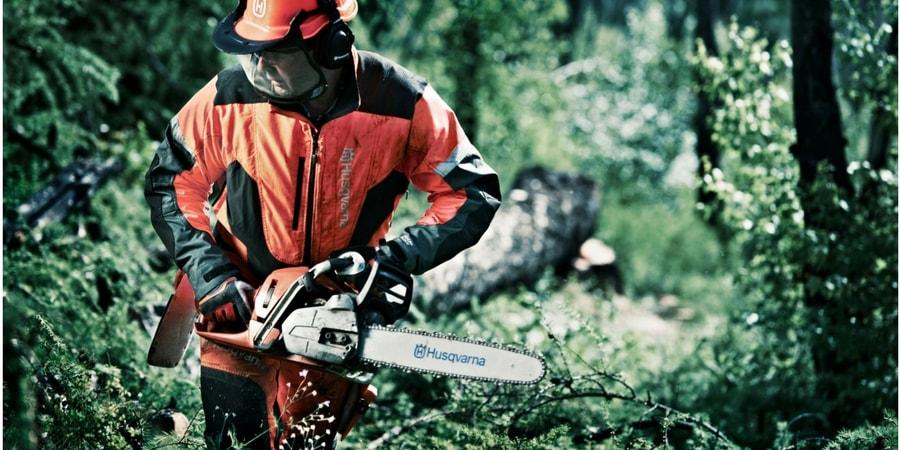 Cómo se realiza el mantenimiento de una motosierra Husqvarna